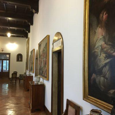 Couvent de San Clemente à Rome. Le couloir où se trouve la chambre dans laquelle est décédé le bienheureux P. Cormier.